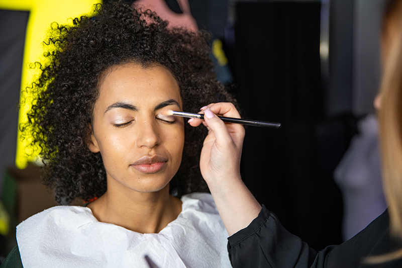 Makeup before session